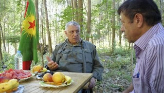 web Cemil Bayik, Co-Vorsitzender der PKK an einem versteckten Ort in den Kandilbergen:Nordirak2