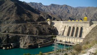 1.1_Kleinerer Damm in der Toktogulkaskade