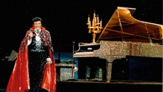 KEY1 LIBERACE THE KING OF BLING
